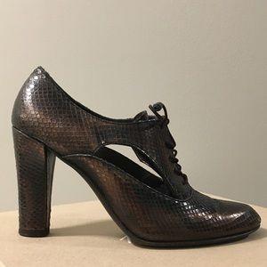 Stuart Weitzman Snake-Embossed Leather Oxford Heel